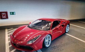 2015 Ferrari 488 GTB Red 1:18 Bburago